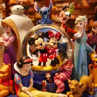 2017年春:CINEMA IKSPIARIで『モアナと伝説の海』を見てスノードーム ディズニーキャラクター ディズニーストア30周年記念 を見つけた!(家族で!(パパ除く))