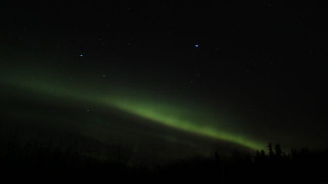 アイスランド、スカンジナビア半島と過去の戦績は1勝1敗。<br />今回は比較的晴天率が高いと言われる北米のフェアバンクスに。<br />滞在中の夜は見れることは見えましたが、しょっと光量が弱くて。。<br /><br />次回行くことがあったらカナダにしようかと。<br />(オーロラ予報によるとイエローナイフが良さげでなんですが、あちらは昼間は何もできないのでパス。)<br />
