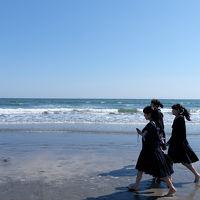 鎌倉散歩 下 光則寺から 鎌倉文学館 由比ヶ浜を歩く