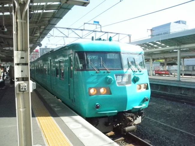 かねてから乗ってみたかった紀州鉄道。キテツ2号が引退するというニュースを見て思い切って行きました。<br />紀勢本線でJR御坊、そこから紀州鉄道が走っています<br />日本一短い鉄道<br />昔はもう少しあったようですが。<br />レトロな電車や駅舎、レールバスを楽しんできました<br />まずは紀勢本線の普通電車紀伊田辺行きモハ116-312
