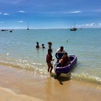 ポルトガル人が500年前に、初めて上陸したブラジルの地:ポルトセグーロ、ビーチから歩いて帰る、途中、Axe Moi アシェムワを覘いて行く編(PortoSeguro/バイーア州/ブラジル)