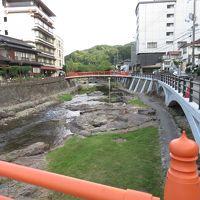 長門湯本温泉に一泊し、音信川のホタルを見て、朝は川沿いを散歩