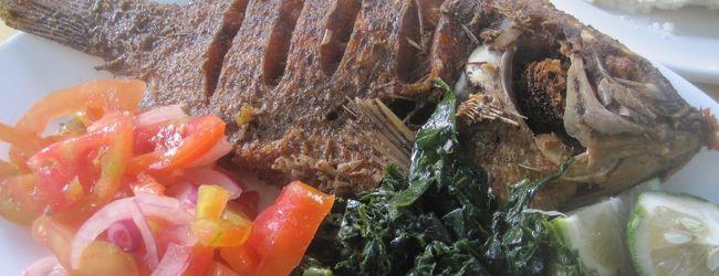 2016 ナイロビ後半は名物らしき魚料理をい...