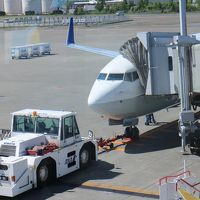 NH1182便、新千歳→富山搭乗メモ。乗る機会の少ない路線だが、通路側席で・・・何もなし。