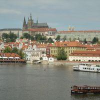 足まめ母娘の初めて中欧2人旅 ブダペストからプラハ�「プラハ到着!プラハ城入場ウォーキングツアーに参加」