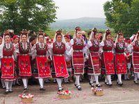 ブルガリア・ルーマニア2300Km巡り旅 �カザンラク・バラ祭り