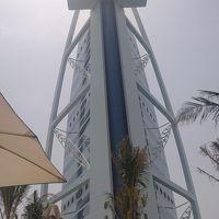 ドバイ、バージュ・アル・アラブに泊まりたくて。