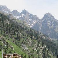 カザフスタン 「行った所・見た所」 アルマトイのメデウ散策とシティホテルティエンシャン宿泊