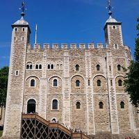 猛暑の日本よ、さようなら 行くぞロンドン!大英帝国のロマンに触れる旅。ロンドン塔〜バラ・マーケット〜テムズ川ウオーク〜ウエストミンスター寺院�