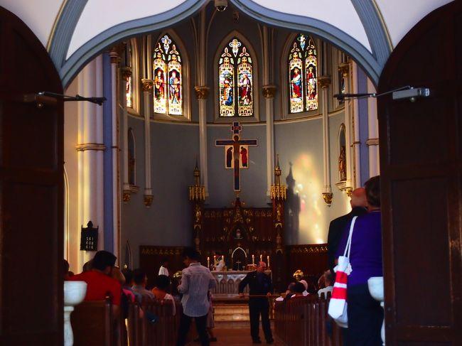 最終日はホーリーロサリー大聖堂で日曜のミサに参加。そのあとカナダプレイスで海を眺めながら旅を振り返りました。ほどなく帰国の途に。<br />最後まで天候に恵まれ、一人でも存分に楽しめたバンクーバーステイでした。<br />ーーーーーーーーーーーーーーーーーーーーーーーーーーーーーーーーーー<br />1$=87円<br />旅のダイジェスト<br />1:http://4travel.jp/travelogue/11276845<br />2:http://4travel.jp/travelogue/11276850<br />3:http://4travel.jp/travelogue/11276860<br />4:http://4travel.jp/travelogue/11276865