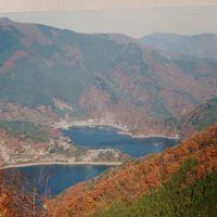 2002年(平成14年)11月紅葉の奥多摩(日原鍾乳洞 奥多摩湖 紅葉の払沢の滝等)をドライブします。