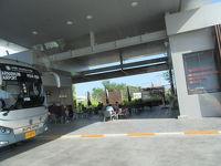 雨季オフ<HuaHin新バスターミナル〜スワナプーム空港へ>大型バスで3時間旅 8月/2017