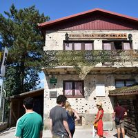 クロアチアメインの旧ユーゴ4ヶ国と最後に少しオーストリア1人旅 その7:サラエヴォ編� 多様な民族,宗教,文化が交じり合う一方,建物に銃痕が残るなど紛争が遠い過去の歴史ではない街