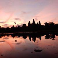 灼熱の大地カンボジアへ・その6/朝日を背景にしたアンコールワットを見に行く