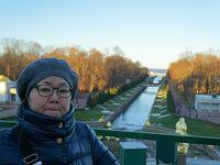 初冬のロシア旅(19) ペテルゴフの夏の離宮でピョートル大帝の宮殿見学。次回は噴水の美しい季節に期待。