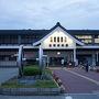 特に渋滞もなく予定よりも早く会津若松駅に到着 会津若松駅のオープンは5:00