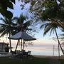 宿泊したセブマリーンリゾートホテルの中庭から海を眺める。