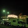 仕事を終えてすぐに帰宅し、荷物をまとめて家を出た。自宅から舞鶴まではおよそ二時間。途中で買い物をして、小樽行きの新日本海フェリーの列に並んだ。  運転手以外は下船して、徒歩の乗客と一緒に乗船する。ガンモは運転手なので、カングーごとフェリーに乗り込んだ。
