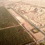 モロッコ・マラケシュ上空より。  都市が一面、茶色いぞ。