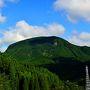 玖珠町大岩扇山です。 玖珠町には柱状節理のメサ(テーブル台地)が多いのです。