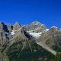 ボウ峠やサンワプタ峠など標高2000mのハイウェーを通ります。