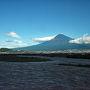 2017年10月23日。午前3時に台風は御前崎に上陸した。午前8時30分頃、名古屋駅からのぞみに乗った。少し遅れただけで東京に着いた。空は晴れてきて写真のように富士山がきれいだった。  やまびこで宇都宮まで移動。これも少し遅れただけ。最後の宇都宮・日光間が台風の影響を受けて、待ち時間が長くなった。