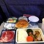 福岡を午前中に出発しました。 チャイナエアラインです。機内食はチキンカレーを選択 おいしかった♪