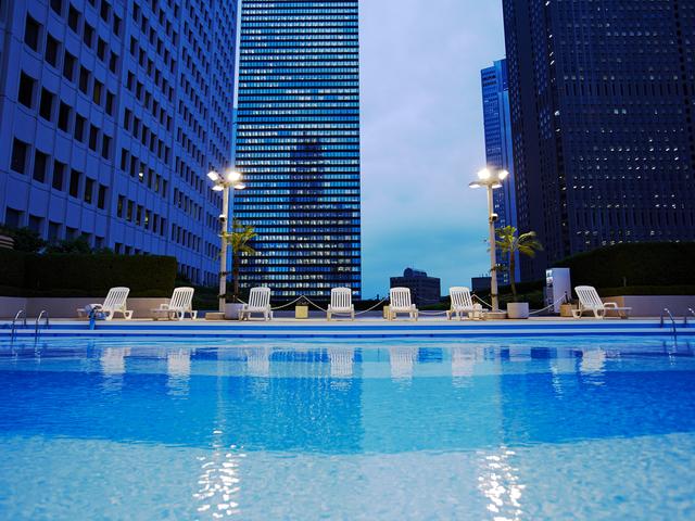【2017年東京】ナイトプール人気急上昇!プールがあるホテル8選