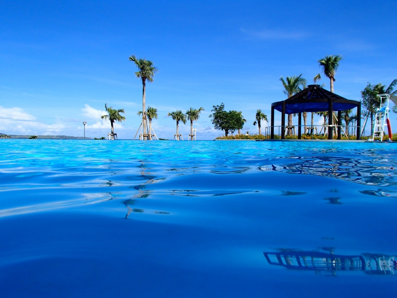 海とひとつになる!インフィニティプールのある沖縄ホテル11選