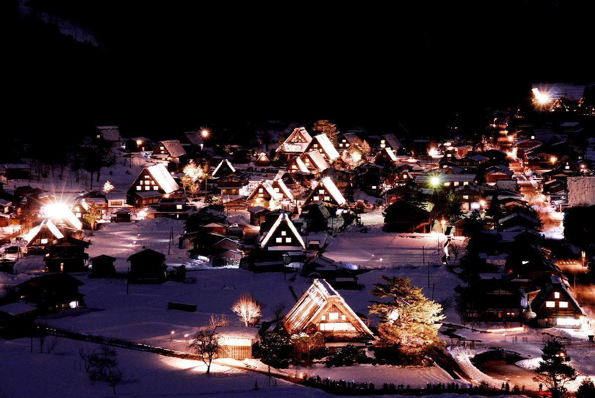 【3位】白川郷ライトアップ