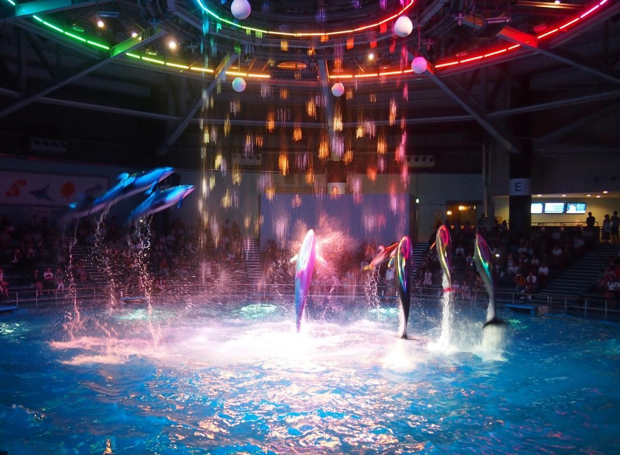 水と光、音楽が織り成す幻想的な世界へようこそ 〜エプソン アクアパーク品川〜